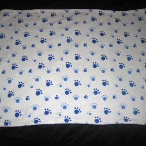 SL HOME FASHIONS PAW PRINTS FLEECE BABY BLANKET